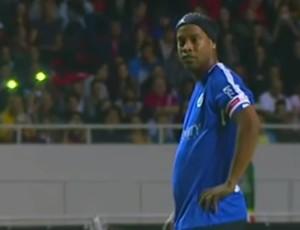 """BLOG: Ronaldinho Gaúcho tem """"noite mágica e surrealista"""" em jogo festivo na Costa Rica"""