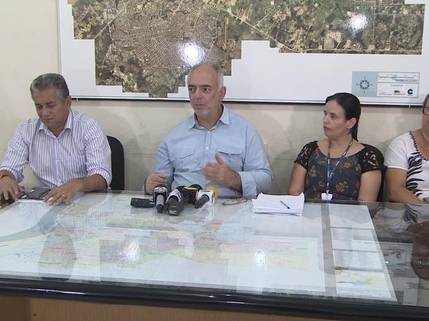 Prefeito anunciou em coletiva que mais 220 servidores municipais podem ser transpostos para o quadro da União (Foto: Reprodução/Rede Amazônica RO)
