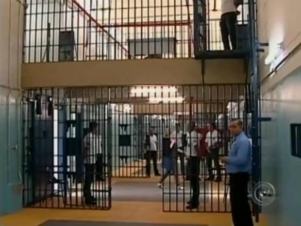 Com a inauguração do CDP e da penitenciária de Cerqueira César (SP) serão abertas 1.536 novas vagas no sistema prisional do estado.  (Foto: Reprodução TV Tem)