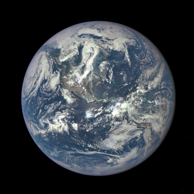 Foto da Terra foi feita por câmera 'Epic' (Earth Polychromatic Imaging Camera), do satélite DSCOVR (Deep Space Climate Observatory (Foto: Nasa/Divulgação)