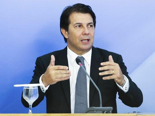 Após reunião com o presidente Michel Temer, o deputado Arthur Maia, relator da reforma da Previdência, fala com a imprensa