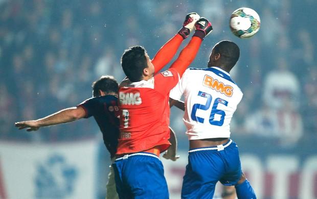 Fábio Cruzeiro e San Lorenzo (Foto: Agência AP )