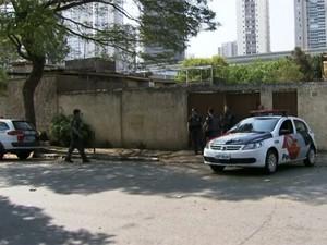 Polícia prende quadrilha suspeita de planejar roubo de carga em São Paulo (Foto: Reprodução TV Globo)
