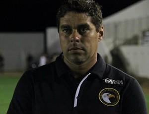 Leandro Sena, técnico do Globo FC (Foto: Kaline Rodrigues/Divulgação)