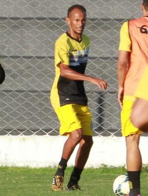 Jailton, meia do Treze (Foto: Junot Lacet Filho / Jornal da Paraíba)