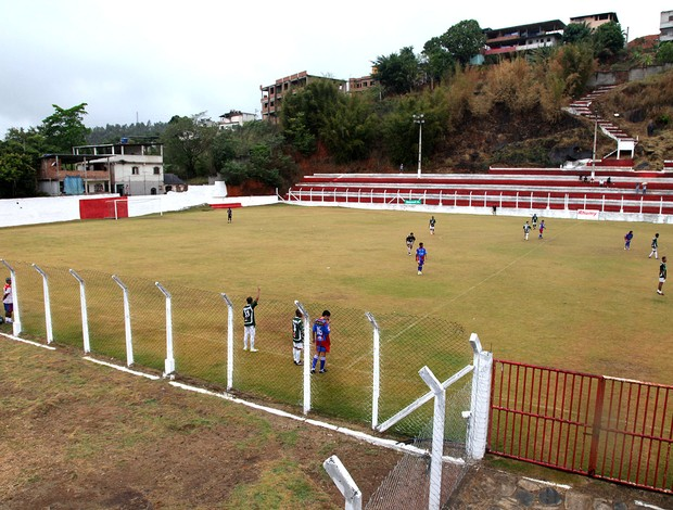 Túlio jogo estádio Cachoeiro (Foto: Pedro Veríssimo / Globoesporte.com)