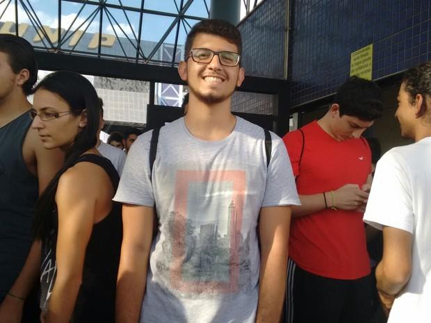 Rafael já havia treinado o tema da redação e está confiante (Foto: Carol Malandrino/G1)