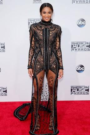 Ciara em prêmio de música em Los Angeles, nos Estados Unidos (Foto: Mark Davis/ Getty Images/ AFP)