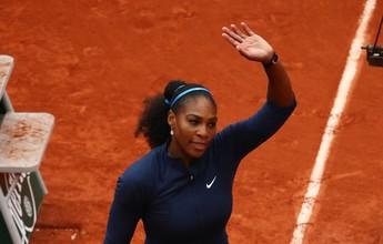 """Rival sente joelho, e Serena vence na estreia em Paris com direito a """"pneu"""""""
