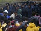 Mais de 10 mil imigrantes estão bloqueados na Sérvia, diz Acnur