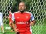 Suspensão de 2011 ameaça tirar  Verón da partida contra o Botafogo