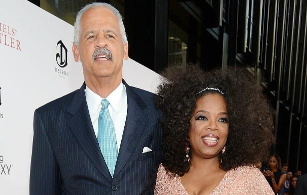 A sessentona Oprah Winfrey está há cerca de 25 anos com o empresário Stedman Graham, de 63, mas nunca oficializou a união. (Foto: Getty Images)