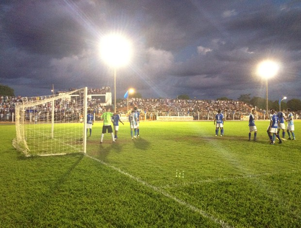 Jogo de volta Ji-Paraná e Espigão (Foto: Hugo Cripa/GLOBOESPORTE.COM)