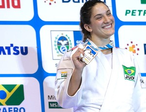 Mayra Aguiar mundial Judô Bronze (Foto: Marcio Rodrigues / MPIX / Fotocom)