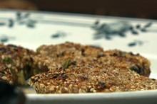 'A Cozinha Caseira de Annabel' - hamburguer caseiro com crosta de gergelim