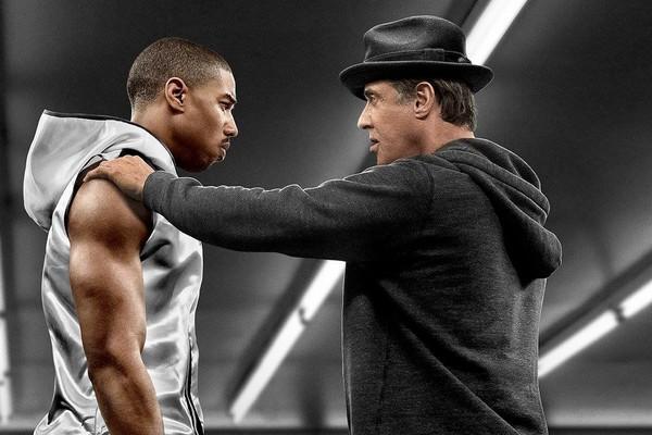 Em Creed, Stallone volta a viver Balboa, na tentativa de alçar o filho de Apollo Creed ao topo do boxe (Foto: Divulgação)