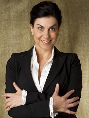 Angela Dip vai interpretar a dona do bar dos médicos (Foto: Divulgação/Rede Globo)