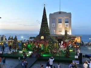 Vila de Noel foi montada na Praça Municipal, em Salvador (Foto: Max Haack/Agência Haack)