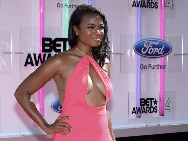 Tatyana Ali no BET Awards em Los Angeles, nos Estados Unidos (Foto: Kevork Djansezian/ Reuters)
