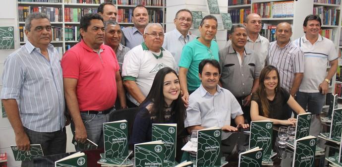 Autores e ex-jogadores - Auto Esporte-PI (Foto: Ramiro Pena/GLOBOESPORTE.COM)