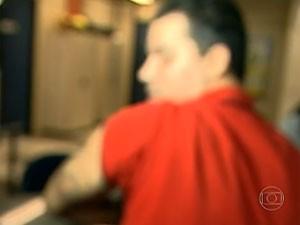 Homem afirma ter sido agredido por grupo neonazista (Foto: Reprodução/TV Globo)