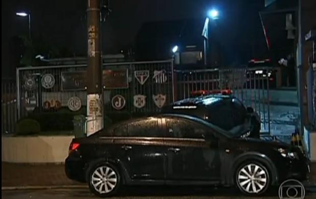 Sede da Federação Paulista de futebol é assaltada (Foto: Reprodução - TV Globo)