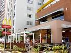 Funcionário do McDonald's poderá levar almoço e terá jornada regular