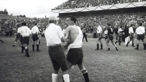 grêmio inauguração olímpico 1954 grêmio nacional briga (Foto: Divulgação/Memorial Herminio Bittencourt)