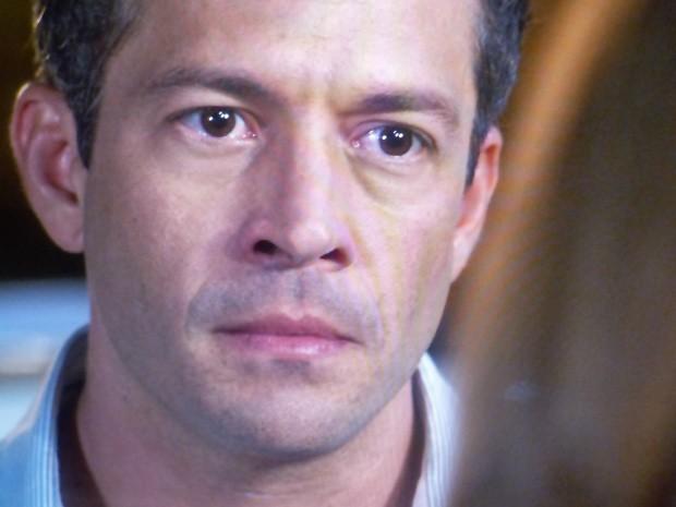 Bruno fica preocupado com volta de Ninho (Foto: Amor à Vida / TV Globo)