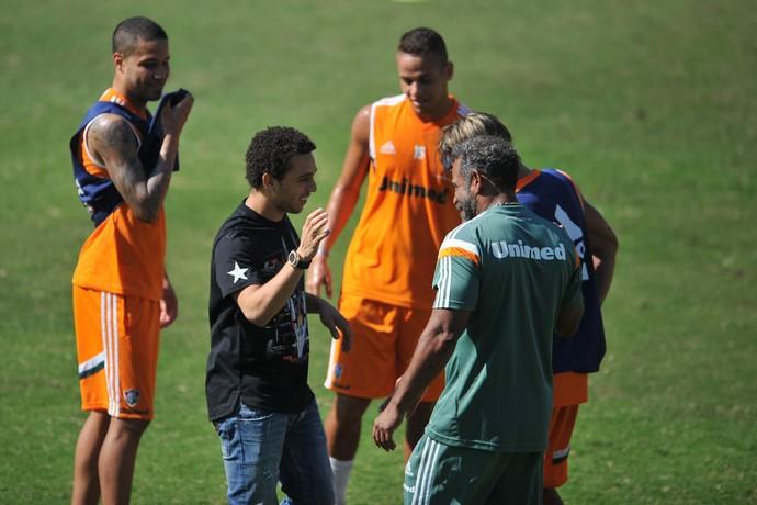 Wellington Nem visita treino do Fluminense (Foto: Moyses Ferman)