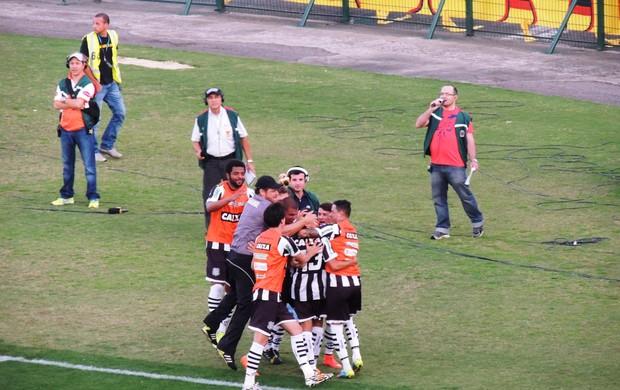 Gol de Clayton Figueirense x Sport (Foto: Renan Koerich)