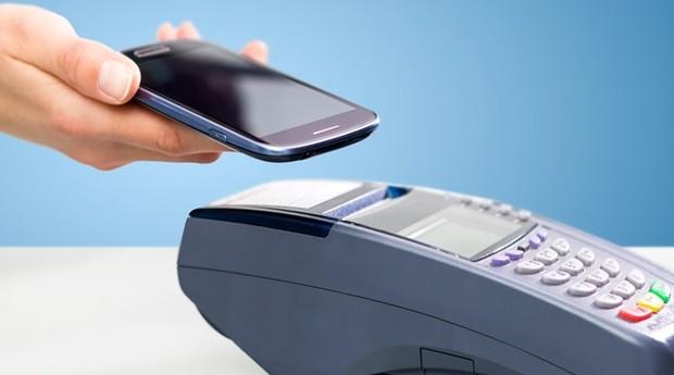 Com a tecnologia NFC, é possível fazer pagamentos por meio da aproximação do celular (Foto: Divulgação)