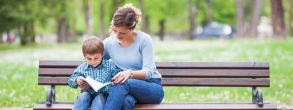 Ler para uma criança fortalece os vínculos afetivos com ela