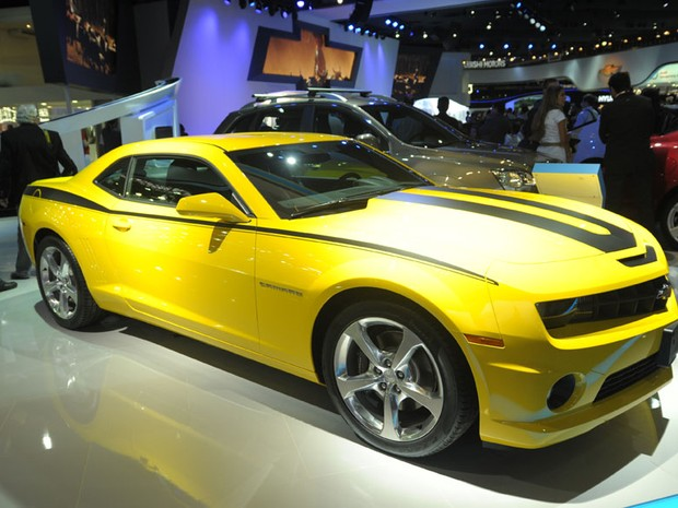 Camaro amarelo é exposto no estande da Chevrolet (Foto: Flavio Moraes/G1)