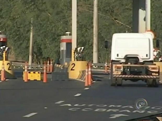 Reajuste no valor do pedágio em rodovias paulistas começou nesta 3ª feira, 1° (Foto: Reprodução/ TV TEM)