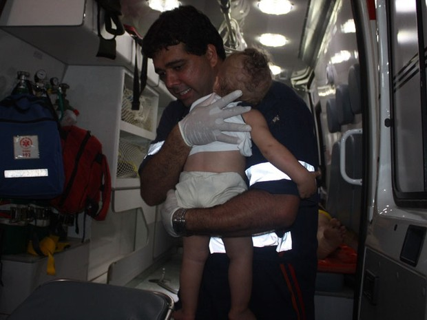 Bebê saiun ileso 2 (Foto: Danuse Cunha /Site: Itamaraju Notícias)