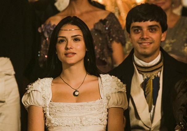 Anna Millman (Isabelle Drummond) e Piatã (Rodrigo Simas) (Foto: TV Globo)