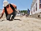 Durante obra, pavimento do século 18 é descoberto em Laguna, SC