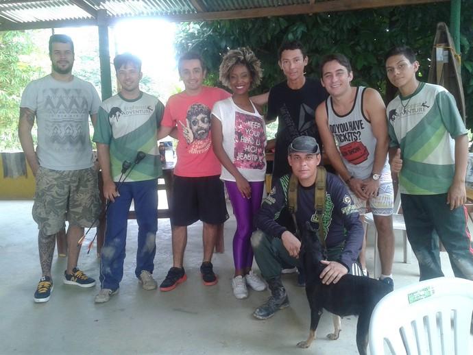 Titia Tal Qual e equipe do 'Zapp' em um parque de aventuras de Manaus (Foto: Arquivo Pessoal)