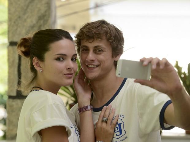 No episdio de 'As Canalhas', Rafaela (Clara Maria) vai se vingar do namorado (Foto: Pprica Fotografia)