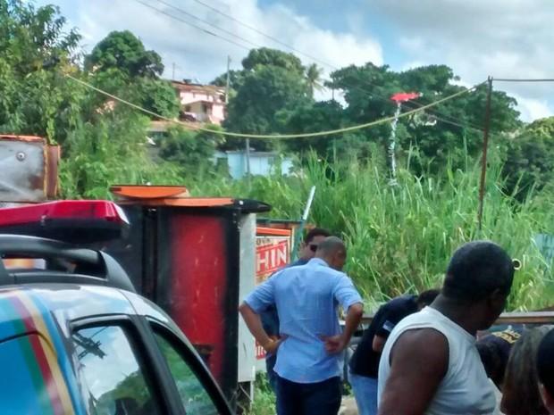 Adolescente tentou resgatar pipa presa em fio e tomou choque (Foto: Camila Torres / TV Globo)