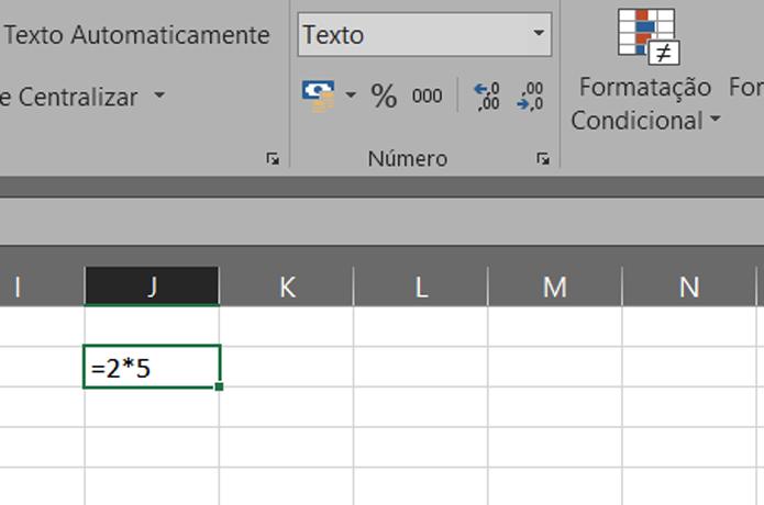 Se a célula estiver no modo Texto, o Excel não vai calcular a sua fórmula (Foto: Reprodução/Filipe Garrett)