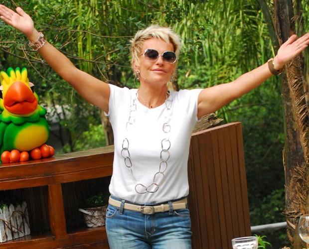 Ana Maria adota maxicolar (Foto: João Miguel Júnior /  TV Globo)