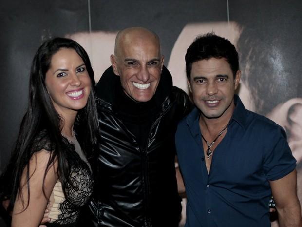 Graciele Lacerda, Amin Khader e Zezé Di Camargo em show no Rio (Foto: Isac Luz/ EGO)