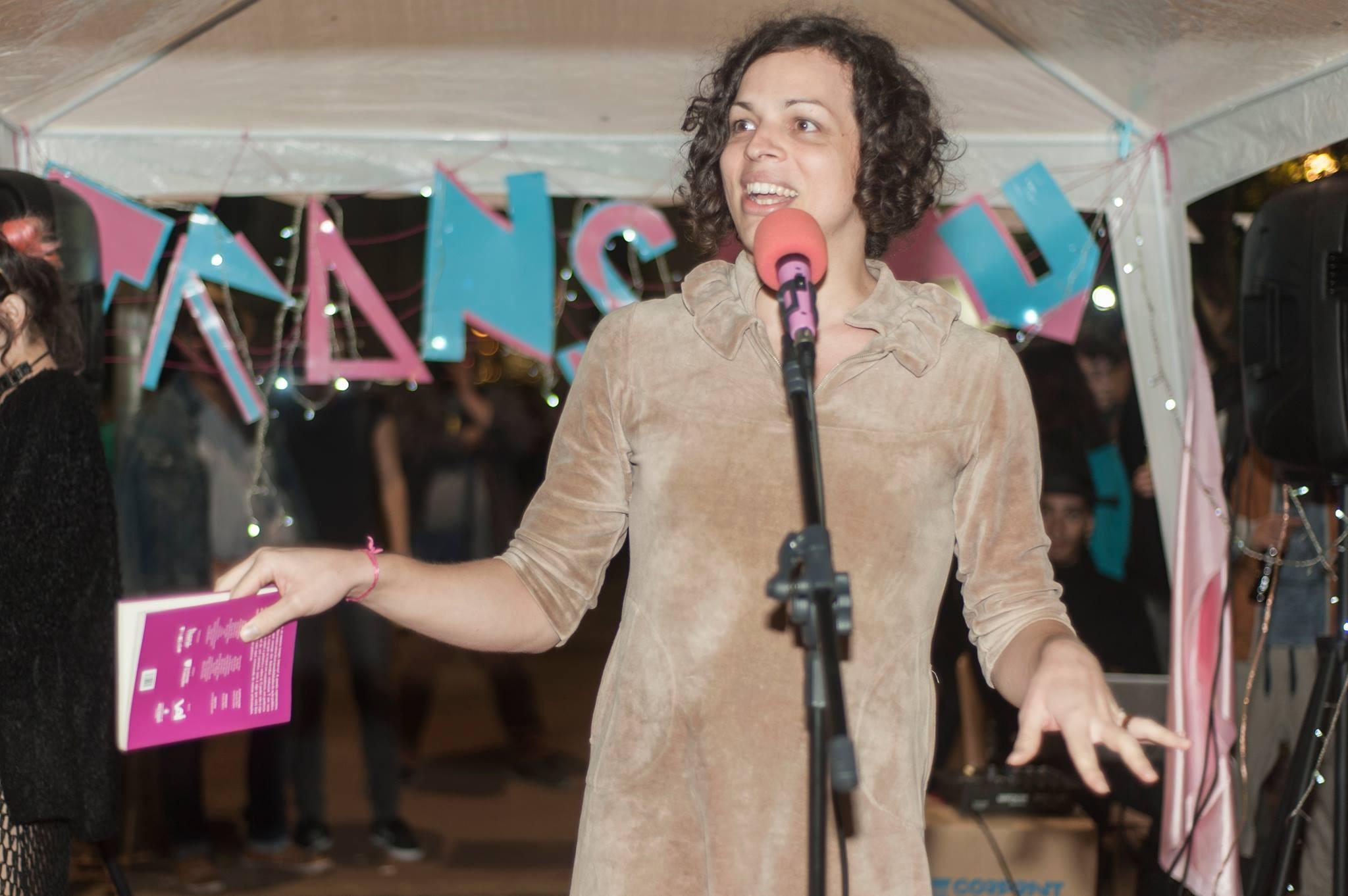 Amara Moira, no TRANSasau de lançamento da 'Antologia Trans' (Foto: Divulgação/ Cursinho Popular Transformação )