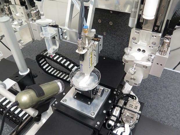 A impressora 3D que trabalha com material orgânico para criar órgãos implantáveis (Foto: WFIRM)
