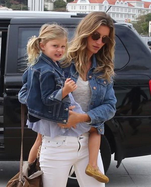 Gisele com a filha, Vivian Lake (Foto: AgNews)