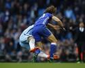 Agüero é suspenso por quatro jogos por entrada dura em David Luiz