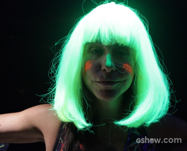 Lucélia com efeito neon (Foto: Pedro Curi/ TV Globo)