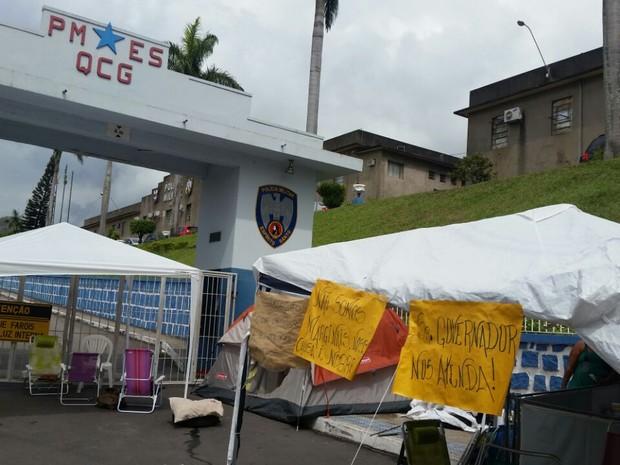 Quartel de Maruípe em Vitória, na manhã desta quarta-feira (15) (Foto: G1 )